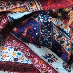 Accessories - AMERICANA Paisley Scarf